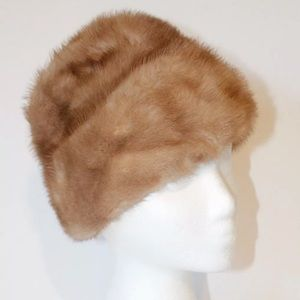 Accessories - 1940s 1950s vintage hat tan fur hat